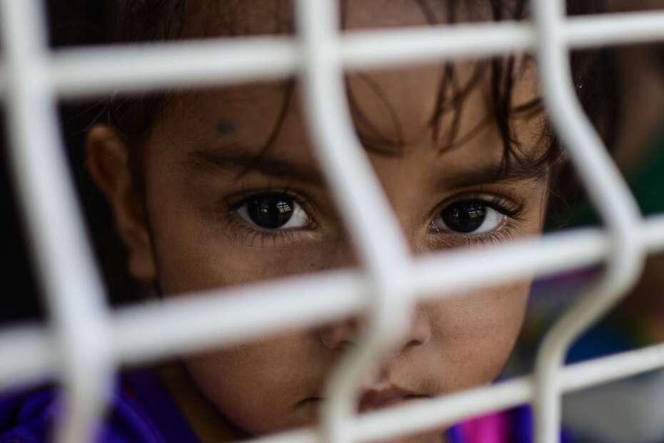 7d7e5e35aac Børn, der søger asyl i USA, skal hurtigt videre fra modtagecentrene. Det  har vicepræsident Mike Pence og formand for Repræsentanternes Hus Nancy  Pelosi ...